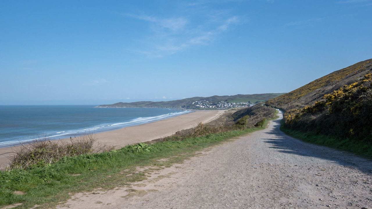walk from marine drive in Woolacombe beach to Putsborough bay in North Devon